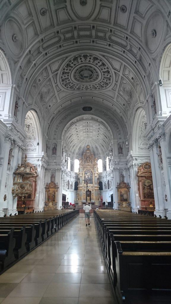 慕尼黑聖彌額爾教堂